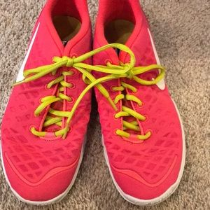 Nike free tr fit size 8